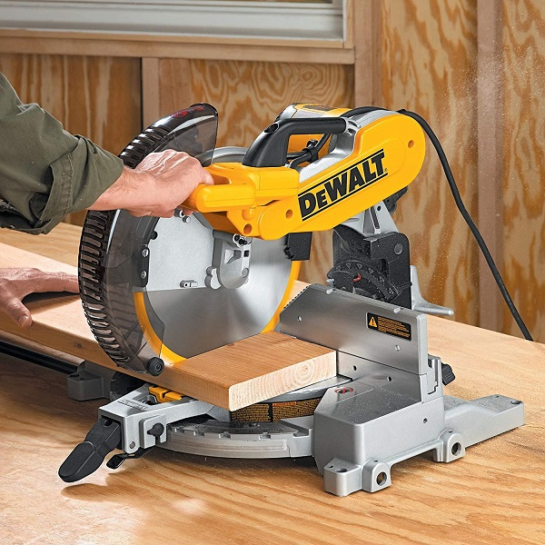 DEWALT Compound Miter Saw Double Bevel
